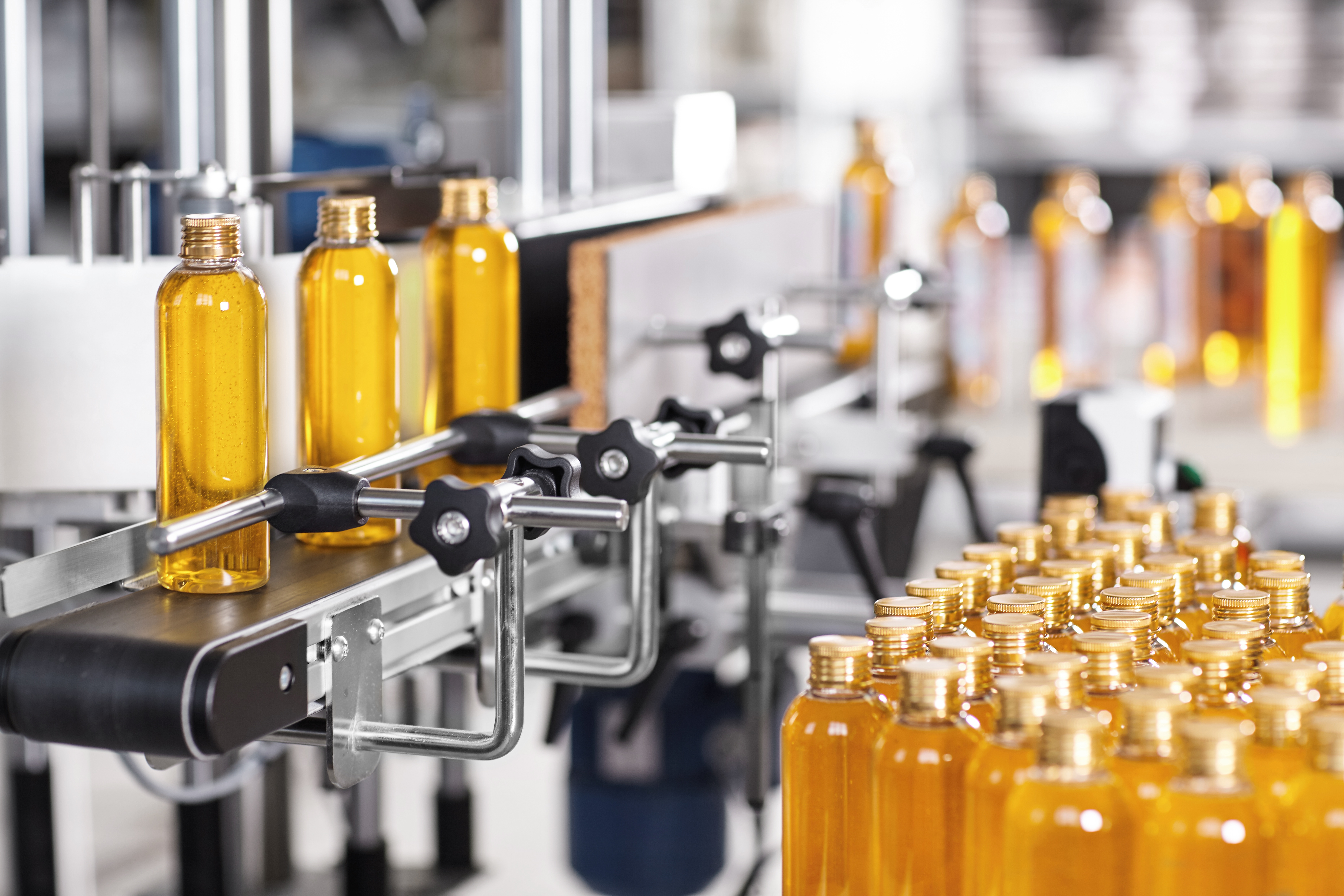 AdobeStock_157125815_Chemical manufacturing_beauty production line